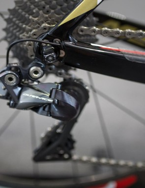 The Di2 cable for the Shimano Dura-Ace R9150 rear derailleur exits directly out of the back of the chainstay