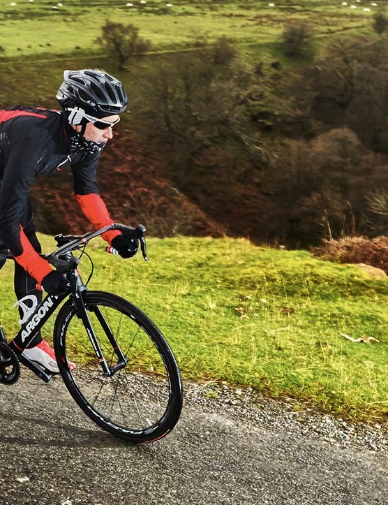 With grippy rubber and great balance, the Argon 18 is more than happy in the corners
