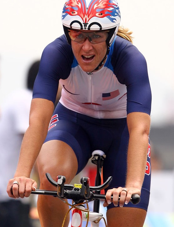 Kristen Armstrong's (United States) gold-winning rig sported a pair of USE Tula aero bars with unique in-line brake levers.