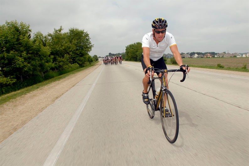 Lance Armstrong riding with journalists during the June 1, 2007 Madone launch.