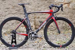 The Arrox R1 is a carbon aero bike born in Bristol