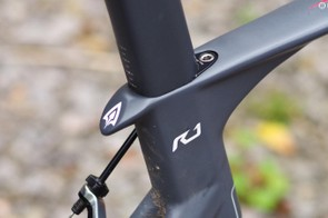 The aero seatpost is secured by a tidy climb, with the 'tail' protecting the frame from cracks