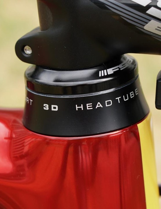 The Argon 18 Gallium Pro has a unique headset that sits atop the head tube, rather than ensconced down in it