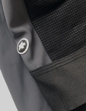 A reinforced fabric on the side panels helps protect rider and shorts in the event of a crash