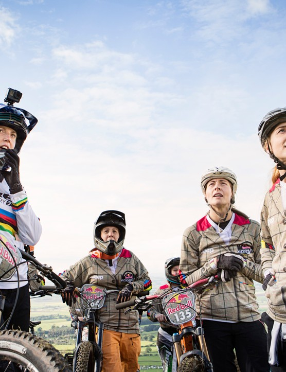 Atherton shared advice and tips with the participants of the Red Bull Foxhunt, a women's-only mass start mountain bike event in the UK