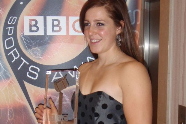 Rachel Atherton with her award