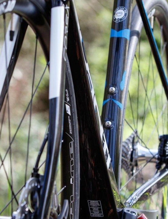 The down tube features a radical shape and taper before using the full width of the press-fit bottom bracket shell