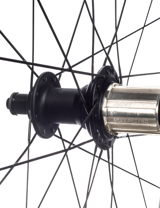The Avion R Pro wheelset features Stan's Neo R Ultimate Speedsync hub, which is available in both Shimano or Campagnolo freehubs