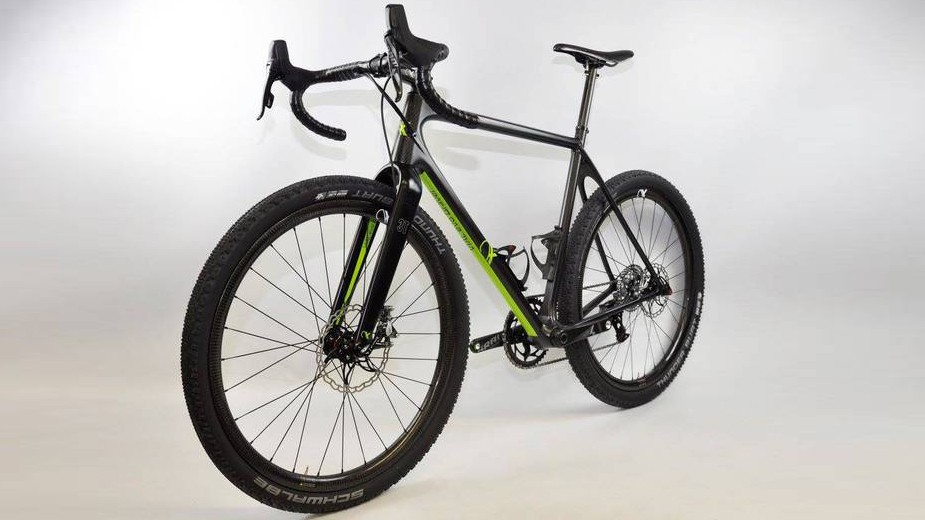 The Vial evo Gravel prototype comes in at 100g under the UCI's weight limit for road bikes
