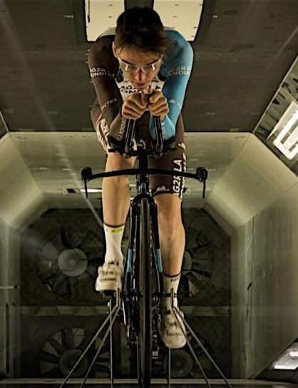 Romain Bardet tests the Slick in the wind tunnel