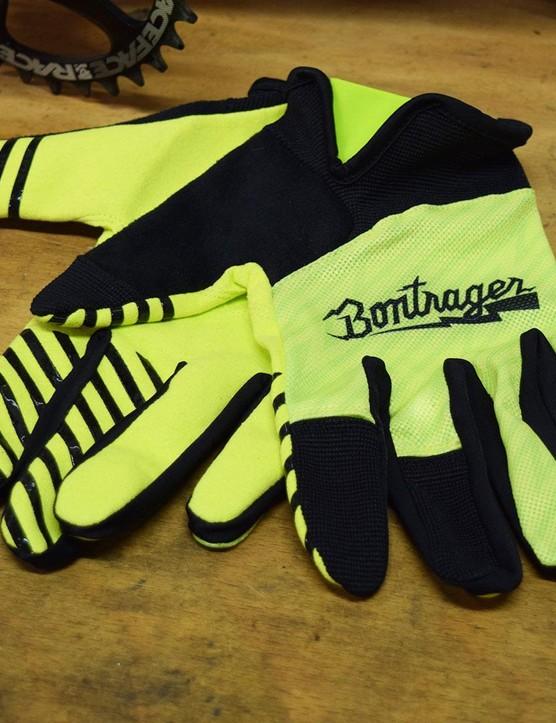 Bontrager Rhythm Gloves: low profile palm, mesh back
