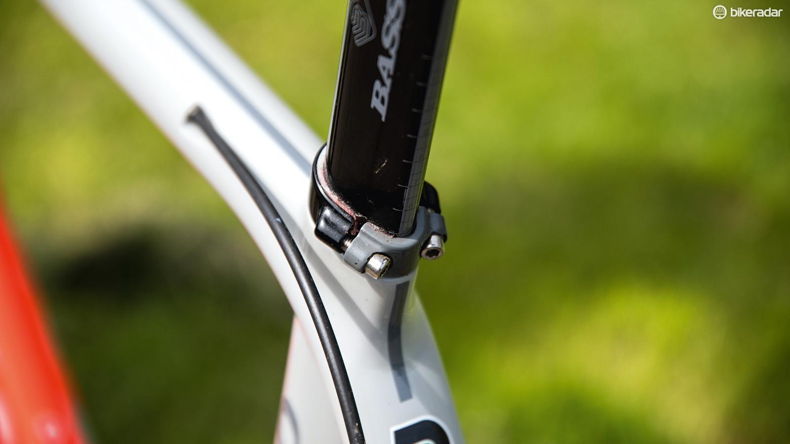 Basso provides the carbon aero seatpost
