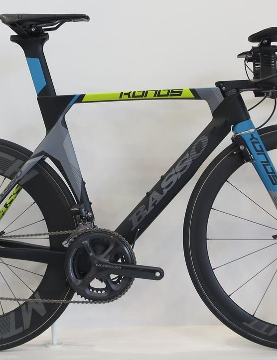 Basso's TT machine the Konos features a 1.1kg frame and an impressive 7.6kg complete weight for the Ultegra Di2 model