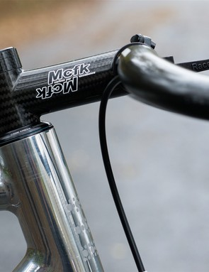 Beautiful carbon weave on the Mcfk stem