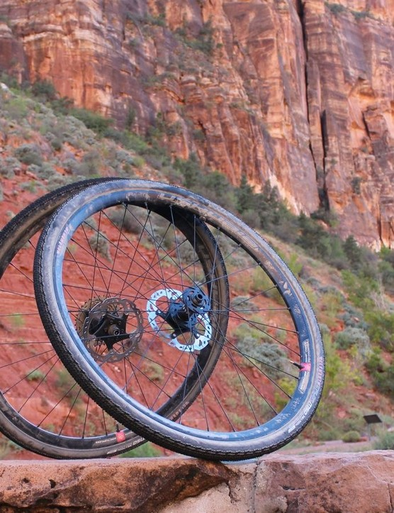 Clément built the Ushuaia wheels just for gravel with a wide, 23mm internal width and relative light weight