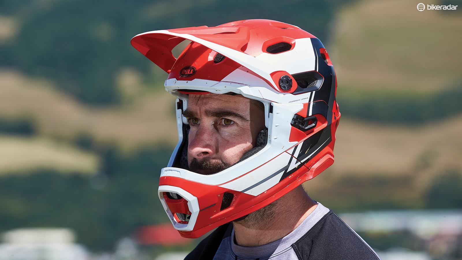 Provides a similar level of protection to a regular full-face, but far easier to forget about when you're working hard