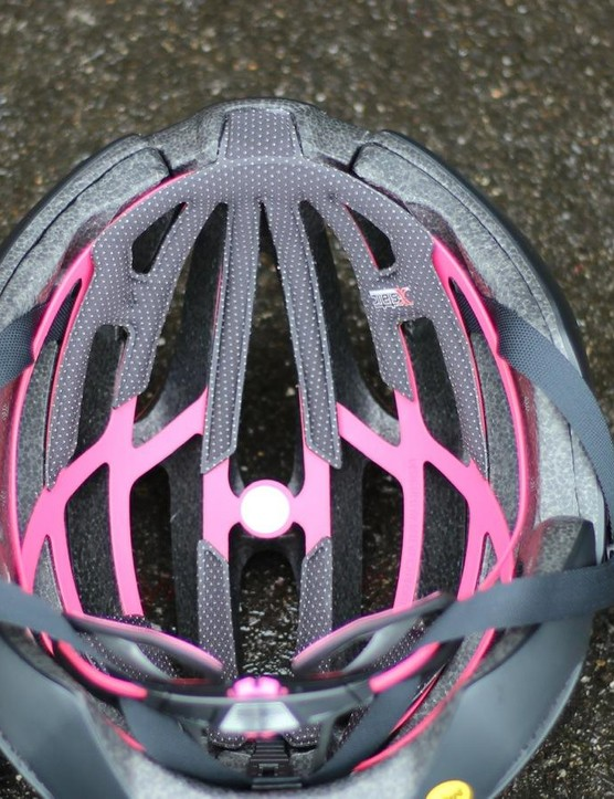 The MIPS vents align with the Zephyr's vents — which isn't always the case with MIPS helmets