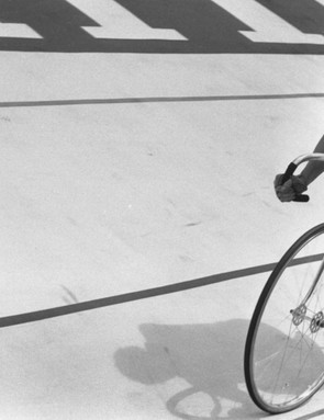 Beryl Burton on her way to Bronze at the 1970 track World Championships
