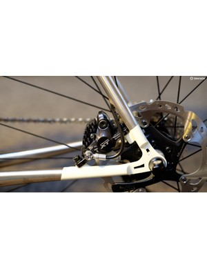 Even the rear brake hose is plumbed in an attractive way