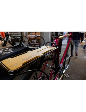 The Portland Design Works rear rack suits this build perfectly