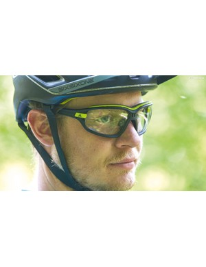 cc8e7b5017f Best sunglasses for mountain biking  buyer s guide and ...
