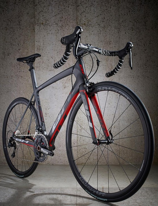 The frame has a claimed weight of just 860g