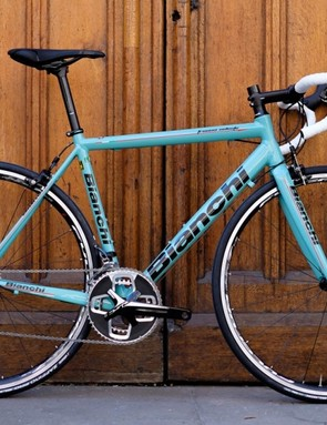 The Freccia Celeste is another handsome addition –and a 90s-looking one – to Bianchi's stable