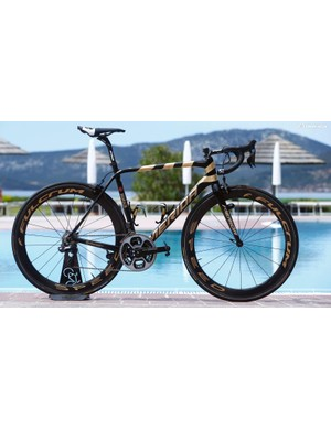 Vincenzo Nibali's custom Merida Scultura for the 2017 Giro d'Italia