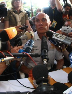 Astana directeur sportif Marc Biver is surrounded by the press as he gives a press conference, 24 Ju
