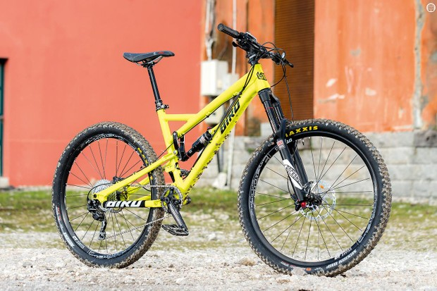 Small Brit firm Bird has been turning out some seriously good bikes and the Aeris 10-speed is no exception