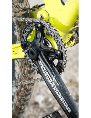 Solid Race Face cranks power a 10-speed Deore drivetrain –the lack of an 11th gear was one of our few small gripes