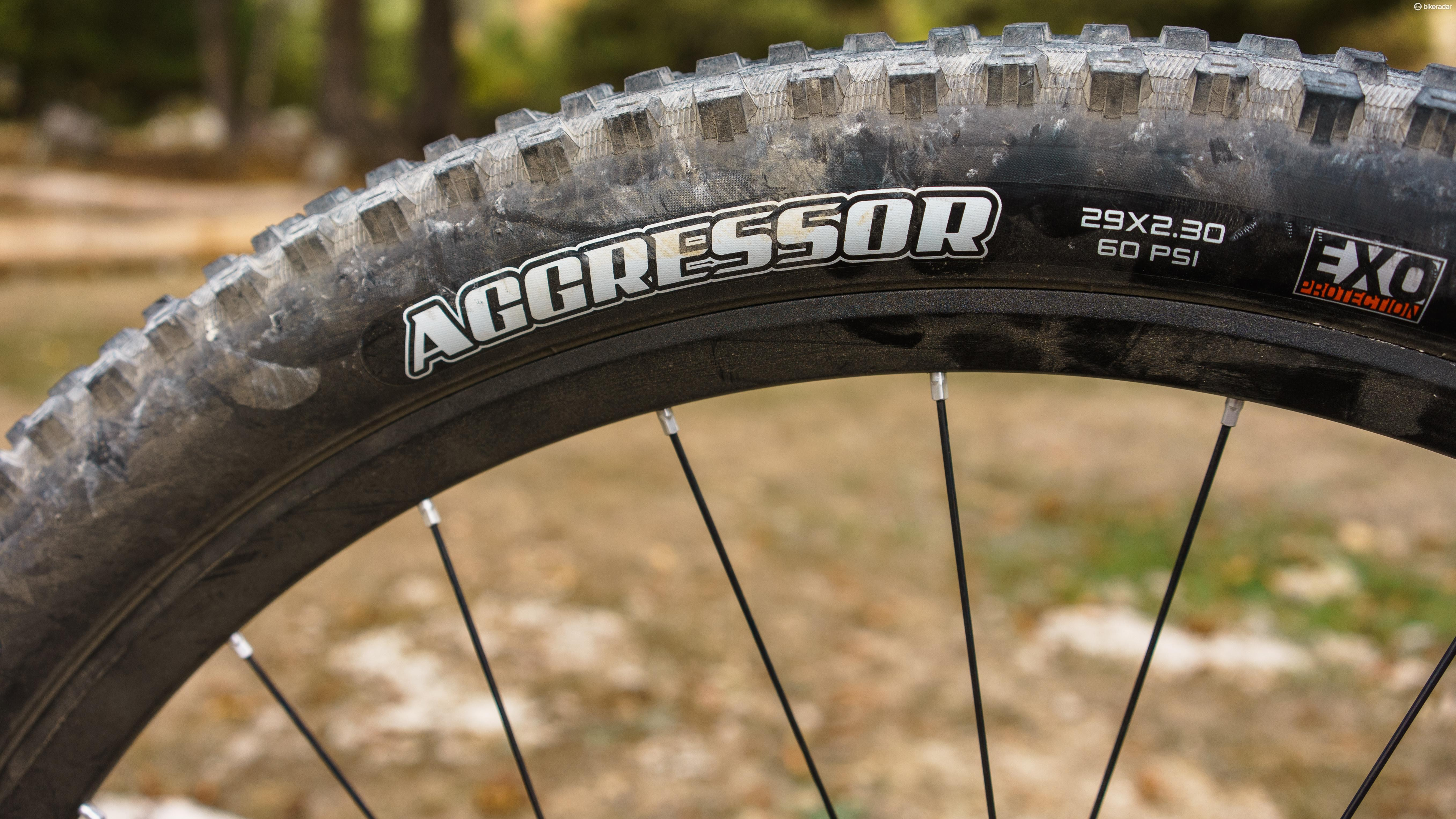 The Maxxis Aggressor is the stock tyre at the back, but you can swap this for other Maxxis rubber when you purchase