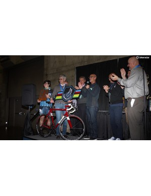 Bixxis won both Best Campagnolo Bike and President's Choice for his Doriano De Rosa's beautiful red and white road bike. Valentino Campagnolo won on hand for the award, his first time to NAHBS