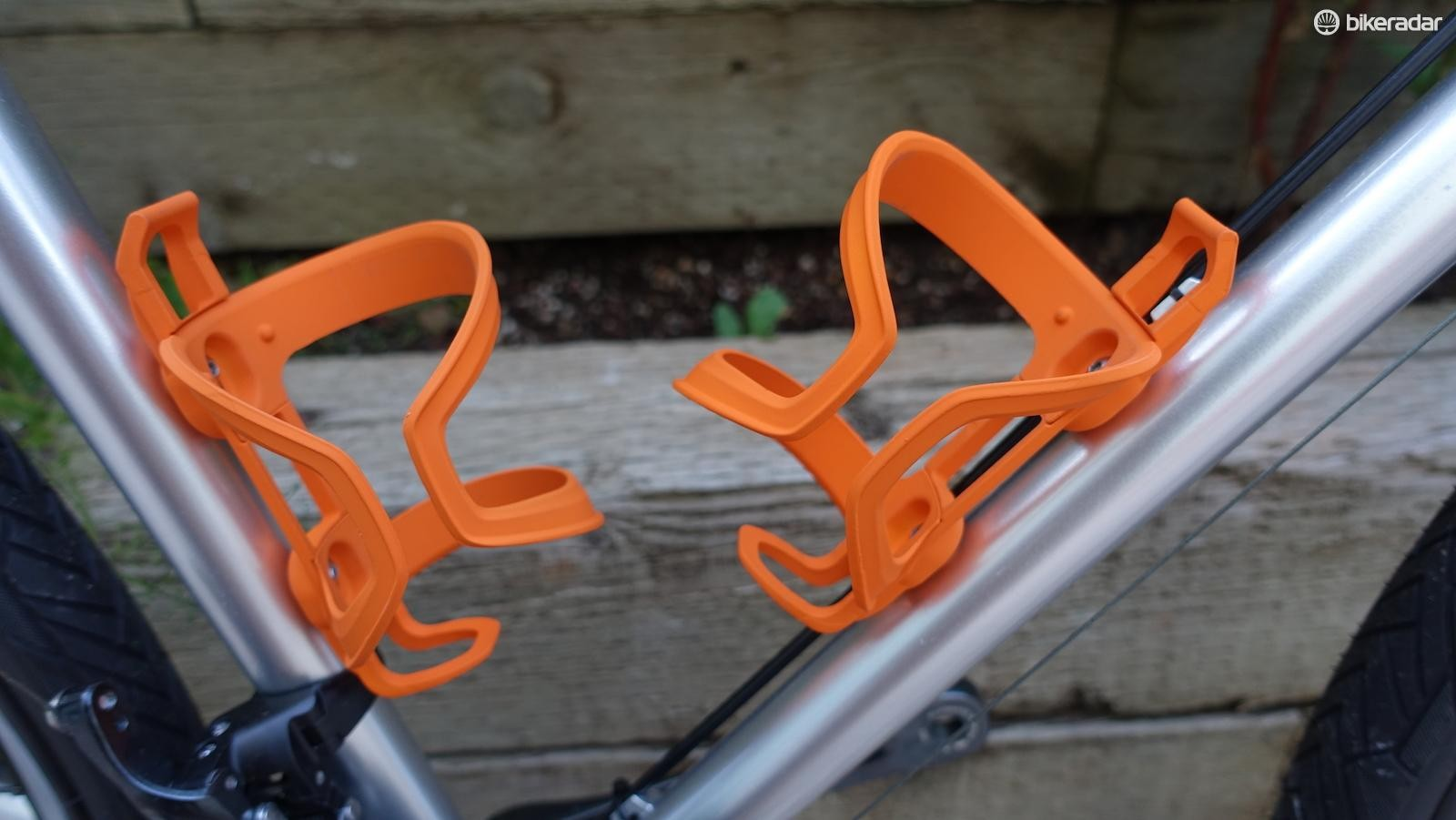 Blackburn's Wayside Side Entry cages are great for any bike, but especially helpful on small bikes or mountain bikes with small front triangles