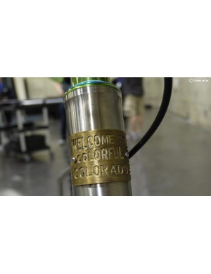 The cast head tube is based on the welcome signs of Colorado, the native state for the Fort Collins company