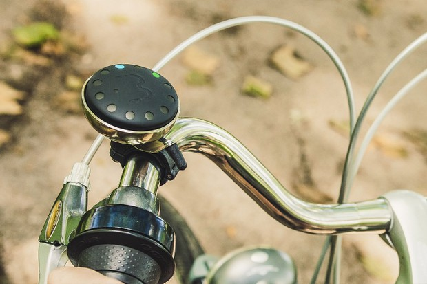 Bluebel is a new handlebar-mounted navigation device