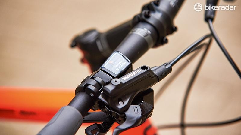 One finger operation with the hydraulic Shimano brakes