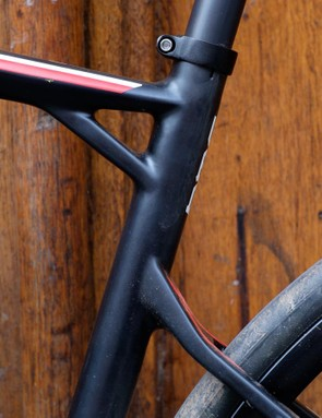 The extra 'rib' between top tube and seat tube is another BMC hallmark