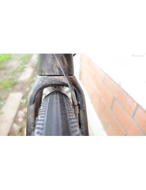 The Premium Carbon fork's tyre clearance with 34mm rubber