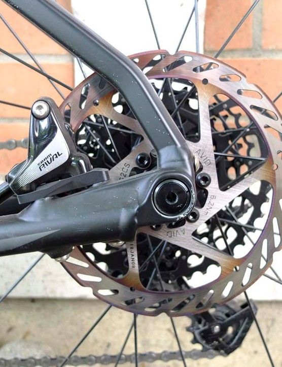 Flat mount calipers, 160mm rotor and engineered frame angles to improve the ride