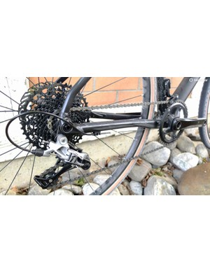 SRAM Rival mech with Apex 11-42 cassette and flattened chainstays
