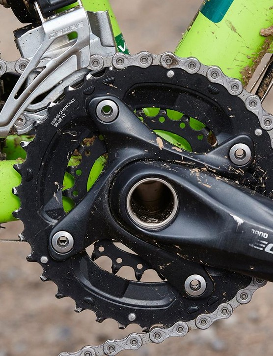The mostly Deore drivetrail does the job, with a decently stiff crankset