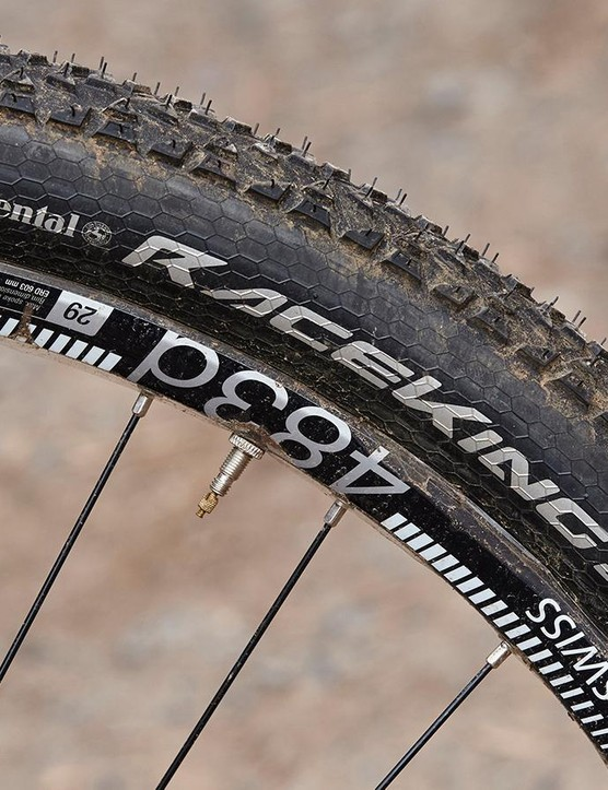 Large-volume Continental 29er tyres roll very fast and smooth out small trail chatter well, but are slippery and vulnerable off piste