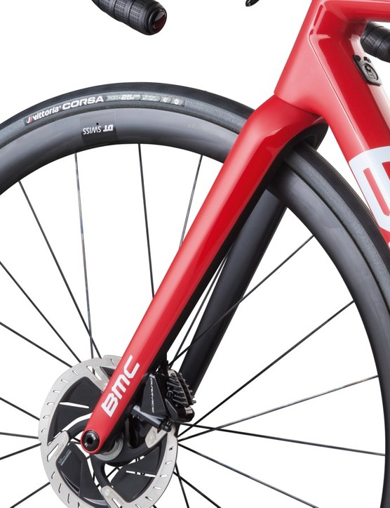 The new disc fork is 18g heavier than the rim-brake fork, which is a relatively small increase