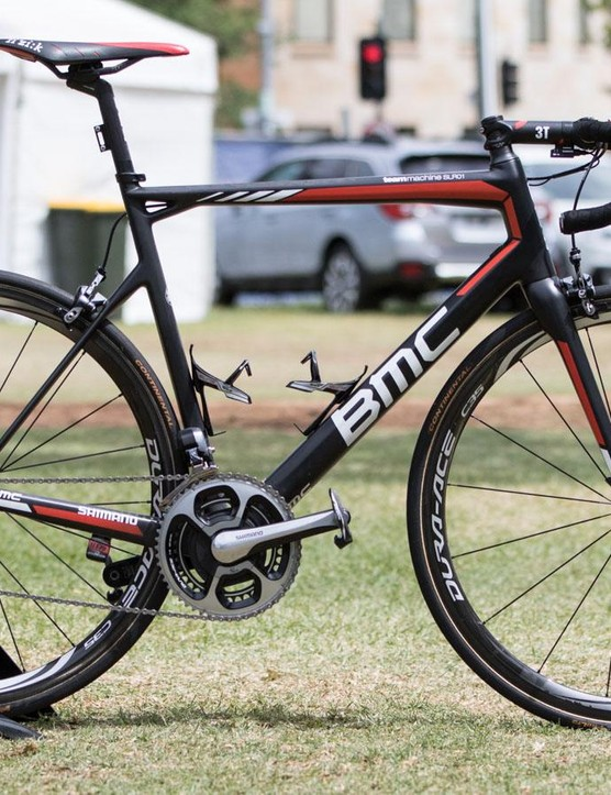 A close look at the 2016 BMC TeamMachine SLR01 of Rohan Dennis