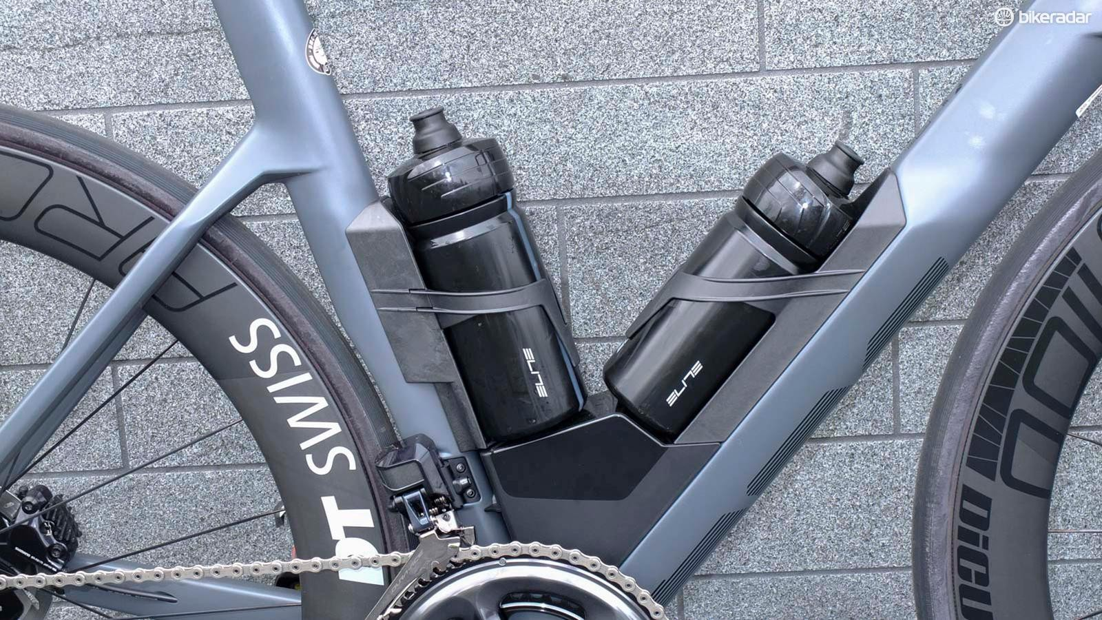 The Aero Module was developed with Elite to smooth airflow over the necessary bottles and cages