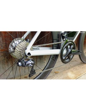 It comes with Shimano's Ultegra Di2 disc groupset