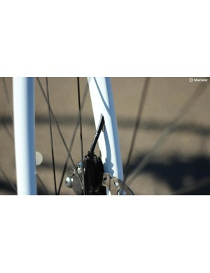 The hydraulic lines, however, are neatly integrated into the frame, fork and headset