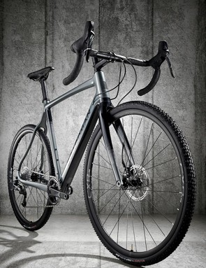 Although built with a 1x drivetrain, the CXR can be converted for a two ring setup