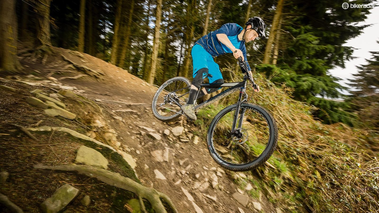 RockShox's excellent Reba RL fork brings easy set-up sag marks, 'Fast Black' stanchion coating, Boost bolt-through accuracy and its latest recessed-air-cap detailing